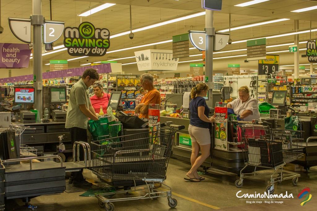 En Australia es fácil salir del supermercado sin pagar, por eso algunos mochileros deciden robar...