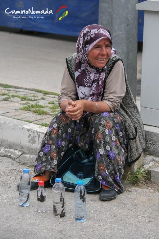 Vendeuse de sangsues en Turquie