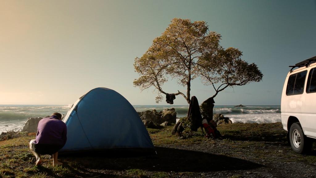 Autre classique, planter la tente là où on peut et admirer le paysage ! | Photo Miléna Grillon